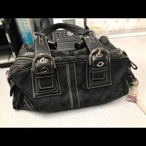 Nice Coach bag 🌟 make an offer 🌟